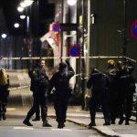 640x410_des-policiers-deployes-a-kongsberg-en-norvege-apres-une-attaque-par-un-homme-arme-d-un-arc-qui-a
